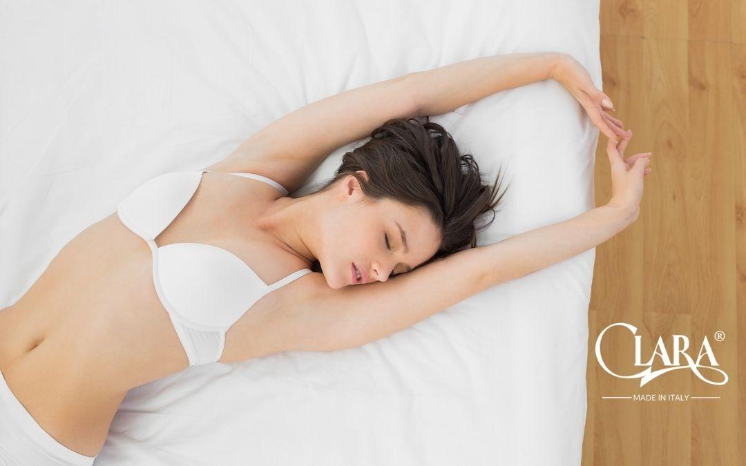 Dormire con il reggiseno fa bene alla salute? Ecco la risposta